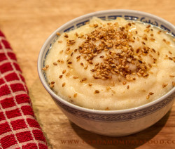 semolina with cardamom and sesame